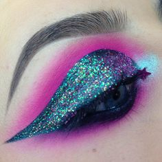 """174 Likes, 3 Comments - M A K E U P  A R T I S T (@lowrifrancesca) on Instagram: """"Added some glitter... Correction, a lot of glitter 😍  #makeup #eyemakeup #eyeshadow #cutcrease…"""""""