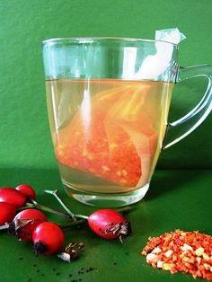 Der Tee erhält nur eine leichte Färbung schmeckt aber trotzdem fruchtig-süß