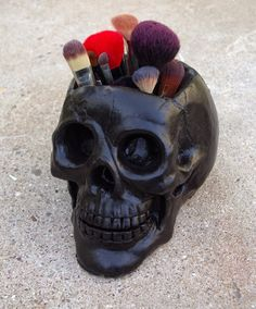 How to Make A Skull Makeup Brush Holder is part of Gothic home decor - If you're looking for a hauntingly adorable organizer for your makeup brushes, consider DIY'ing your very own little brush crypt keeper! Handmade Home Decor, Diy Home Decor, Vanity Set, Diy Simple, Fete Halloween, Makeup Brush Holders, Skull Makeup, Makeup Geek, Goth Makeup