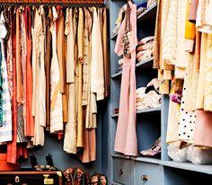 Tu fondo de armario debe estar compuesto por must have básicos. La moda es algo cíclico que va cambiando de temporada en temporada, y el objetivo de este post es mostrarte qué tipo de ropa es esencial y nunca pasará de moda.