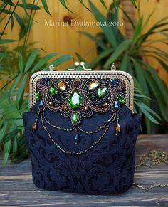 Сумка из бисера. Фермуар. Вышивка из бисера на сумке. Bag from beads. an embroidery from beads. a bag on a fermuara. #beauty #красота #bag #сумочка #сумочкаручнойработы  #сумка  #acsessories #аксессуары #бисер #beads #beadswork #beading #broidery #вышивкабисером  #marinadyakonova #ручнаяработа #embroidery