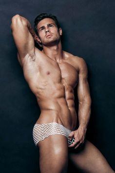 Kirill Dowidoff: Sexy Male Model. Ruslan Elquest Photos - Burbujas De Deseo
