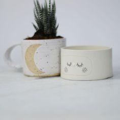 BOL CÉRAMIQUE YEUX ENDORMIS Planter Pots, Mugs, Lifestyle, Tableware, Handmade Ceramic, Plate, Eyes, Dinnerware, Tumblers