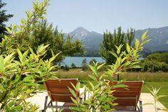 Einfach einmal nichts tun und die Aussicht genießen. Bio-Naturhotel Faakersee, Nichtraucherhotel am Faaker See in Kärnten Plants, Environment, Simple, Plant, Planting, Planets