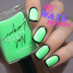 Yey! supa neon #greennails  for #31dc2015 with @americanapparelusa nail polish Parakeet  go to my blog to see details for this design - direct link in bio ✨ ___ яркие-яркие неоновые ногти в стиле #popart уже в блоге! активная ссылка на пост в...