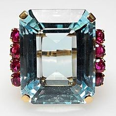 Beautiful! 18k Emerald Aquamarine & rubies...