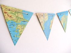 This is a product on Etsy but you could also make your own? WORLD MAP paper bunting, atlas maps bunting - vintage paper bunting, party decoration, bright colours via Etsy. Map Vintage, Vintage Paper, Vintage Room, Unique Vintage, Classroom Design, Classroom Themes, Classroom Bunting, Vintage Classroom Decor, Geography Classroom