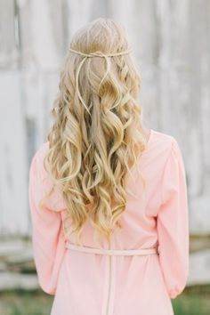 Loose waves tied up with small braids - Bridal Hair My Hairstyle, Pretty Hairstyles, Braided Hairstyles, Wedding Hairstyles, Bridal Hairstyle, Wedding Hair And Makeup, Hair Makeup, Hair Wedding, Boho Wedding