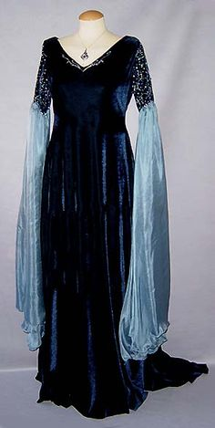 Medieval elven witchy dress with dark blue and light grey blue large sleeves