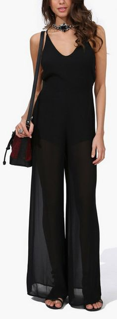 I've been on the hunt for a jumpsuit for months now. This one is sooo gorge! The hunt continues....