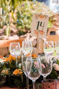 #minutas #minutasdeboda #minutasbodas #minutaseventos #menusdebodas #menudeboda #papeleriadeboda #menudelaboda #minutadelaboda #meseros #seatingplan #seattingplan #minutaboda #papeleriaparabodas #papeleriabonitadeboda #papeleriabonita #latiendadeolivia White Wine, Ideas Para, Alcoholic Drinks, Table Decorations, Glass, Wedding Stationery, Cute Stationery, Weddings, Flowers