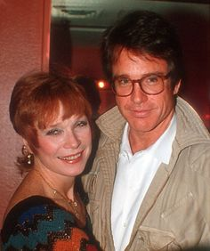 Shirley MacLaine Photos: with her brother Warren Beatty Warren Beatty, Celebrity Siblings, Sibling Photos, Shirley Maclaine, Really Funny Memes, Family Affair, Her Brother, Best Actress, American Actress