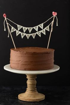 A classic Birthday Cake recipe that will give you the most flavorful vanilla cake covered in chocolate buttercream frosting. It really doesn't get any better than a homemade Happy Birthday Cake that tastes like it came from a bakery. Best Birthday Cake Recipe, Homemade Birthday Cakes, Happy Birthday Cakes, Homemade Cakes, Cake Birthday, Birthday Parties, Diy Birthday, Homemade Vanilla Cake, Homemade Chocolate Frosting