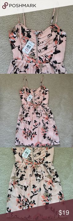 Guess Dress Tutu pink multi. Brand new. Zip front! Elastic on the waist area. Lining underneath. Guess Dresses Mini
