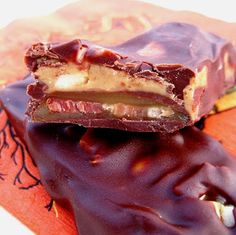 JULES FOOD: Chocolate Cayenne Bacon Peanut Butter Caramel Bar .. the name says it all. Yum!