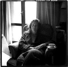 This photo of Annie Leibovitz was taken by Susan Sontag