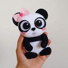 Panda Stuffed Animal, Sewing Stuffed Animals, Bear Felt, Felt Baby, Felt Animal Patterns, Stuffed Animal Patterns, Felt Crafts Diy, Diy Arts And Crafts, Boo And Buddy