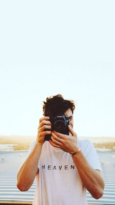 sunset photoshoot Shawn Mendes Updates on - sunset Shawn Mendes Lockscreen, Shawn Mendes Wallpaper, Shwan Mendes, Wallpaper Tumblr Lockscreen, Trendy Wallpaper, Cute Boy Wallpaper, Shotting Photo, Liam Payne, Cute Guys