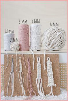 Macrame Wall Hanging Patterns, Macrame Plant Hangers, Macrame Art, Macrame Design, Macrame Projects, Macrame Knots, Free Macrame Patterns, Rope Crafts, Yarn Crafts
