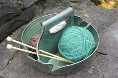 Double Yarn Bowl Green by aaharrison  -  cool, but does the yarn/wool/fiber snag on the edges?.      lj