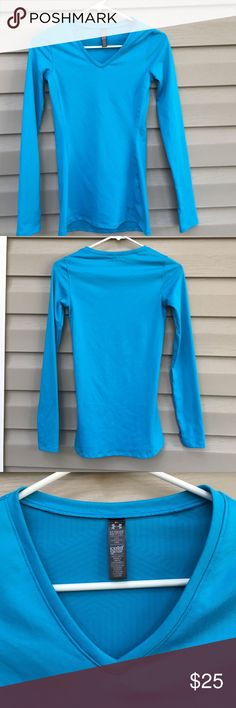 Under Armour women's shirt Women's fitted cold gear long sleeve v neck shirt.93%polyester 7% elastase. No snags , runs or pilling. Under Armour Tops Tees - Long Sleeve