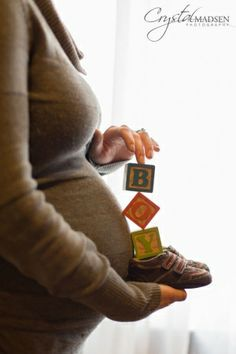 Cute maternity photo.