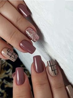 Classic nail designs & pictures for every woman in 2019 Want to wear the latest nail designs that you can copy now? Check out the different types of nail designs here # Matte Nail Art, Cute Acrylic Nails, Basic Nails, Simple Nails, Latest Nail Designs, Nail Art Designs, Nails Design, Brown Nail Designs, Latest Nail Art
