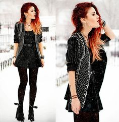 Get this look: http://lb.nu/look/5695776  More looks by Lua P: http://lb.nu/luanna  Items in this look:  Choies Blazer