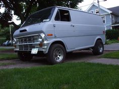 ford van/MY FIRST VAN WAS LIKE THIS,SAME COLOR,GOOD TIMES  :)