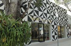 Louis Vuitton store, Miami Design District  groen bij gevel