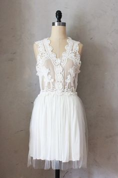 Peony Dress in White