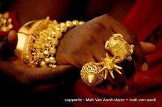 The Ashanti or Asante are a major ethnic group in Ghana (Africa). The Ashanti speak Twi, a language similar to Fante, but with more speakers, 7 million people. Gold jewelry, traditionally used in c…