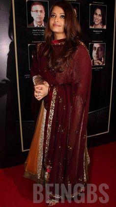 Actress Aishwarya Rai, Aishwarya Rai Bachchan, Bollywood Style, Bollywood Fashion, She Was Beautiful, Diy Fashion, Sari, Actresses, Hot