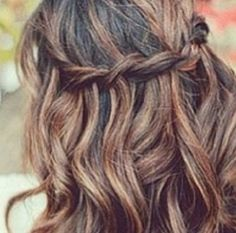 Cute hair in a braid really easy and stylish