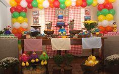 A turma da Galinha Pintadinha é um hit entre as crianças menores e rende decorações lindas para festas de aniversário. De Ateliê de Criação