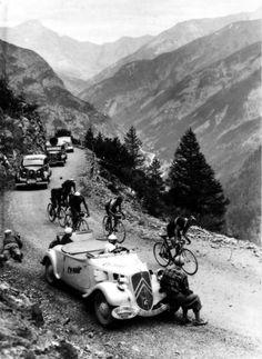 Citroën Traction Avant 11 Cabriolet press car during a mountain stage in Le Tour de France 1937