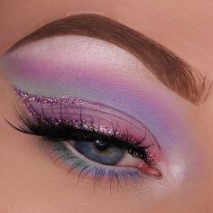 """@makeupgeekcosmetics """"Wisteria"""" eyeshadow @glitterglamcosmetics """"Mellow"""" glitter @sugarpill """"Home Sweet Home"""" Pressed Eyeshadow, """"Frostine"""" and """"Sparkle"""" pressed eyeshadow @nyxcosmetics @nyxcosmeticsnl """"Jumbo Pencil as a base and in my water line @annytude """"Frizzy"""" lashes @elfcosmetics """"Light Brown"""" Lock on Liner and Brow Cream"""