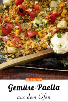 Vegetable rice pan out of the oven-Gemüse-Reis-Pfanne aus dem Ofen Vegetable rice pan from the oven eatsmarter. Lacto Vegetarian Diet, Vegetarian Recipes, Vegetarian Paella, Rice Recipes, Raw Food Recipes, Healthy Recipes, Vegetable Rice, Vegetable Recipes, Oven Vegetables