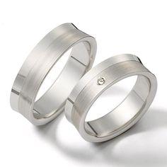 Hermoso juego de argollas en oro blanco con diamante fabricado en Duran Joyeros, Bogotá. Couple Rings, Wedding Inspiration, Wedding Ideas, Wedding Rings, Engagement Rings, My Style, Jewelry, Nara, Sim