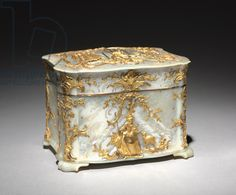 Gold and Mother-of-Pearl Box, c.1765 (gold & mother-of-pearl)