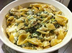 GOAT CHEESE, SPINACH AND CHICKEN PASTA