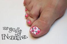 Argyle toe nails, love this design. Love Nails, How To Do Nails, Fun Nails, Pretty Nails, Pretty Toes, Toe Nail Designs, Nail Polish Designs, Argyle Nails, Chevron Nails