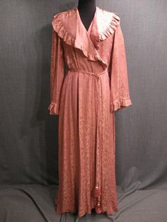Dressing Gown Womens 1930s pink peach swirl silk.  Oregon Shakespeare Festival Costume Rental.