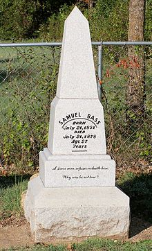 Sam Bass grave Round Rock, Texas (July 1851 – July was a nineteenth-century American train robber and outlaw. Texas History, Family History, Famous Outlaws, The Inbetweeners, Famous Tombstones, Round Rock Tx, Famous Graves, Bonnie N Clyde, Happy Trails