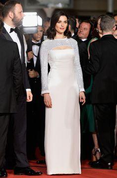 """Rachel Weisz en robe sur-mesure Louis Vuitton pour la montée des marches du film """"Irrational Man"""" http://www.vogue.fr/mariage/inspirations/diaporama/les-robes-blanches-du-festival-de-cannes-2015/20668/carrousel#rachel-weisz-en-robe-sur-mesure-louis-vuitton-pour-la-monte-des-marches-du-film-irrational-man"""