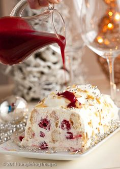 Mascarpone raspberry trifle