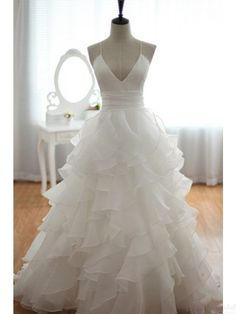 Spaghetti Straps Pleating Layers Long Ball Gown Wedding Dresses (WD0129)