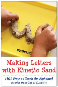 with kinetic sand Ways to Teach the Alphabet} Making letters with kinetic sand is a great way to make learning letters into a fun sensory activity. Part of the 101 Ways to Teach the Alphabet series from Gift of Curiosity Preschool Learning Activities, Alphabet Activities, Sensory Activities, Preschool Alphabet, Sensory Play, Alphabet Crafts, Alphabet Letters, Writing Activities, Educational Activities