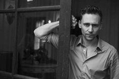"MX07718 Tom Hiddleston - English Loki Actor Movie Star 36""x24"" Poster"