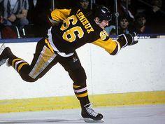 Super Mario (Lemieux) Career cut short due to injuries Pens Hockey, Ice Hockey Teams, Hockey Stuff, Pittsburgh Sports, Pittsburgh Penguins Hockey, Nhl Games, Hockey Games, Hockey Boards, Mario Lemieux